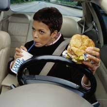 Как правильно питаться во время езды на автомобиле