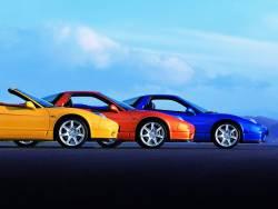 Авто різних кольорів